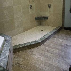Керамический гранит. Интерьер ванной комнаты, облицовка душевой.
