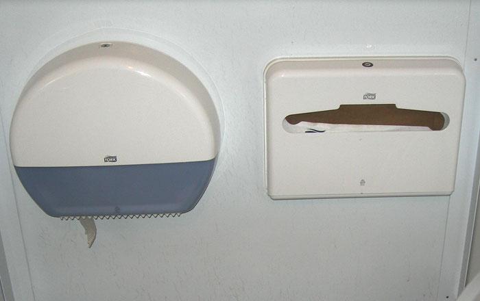 Модульные туалеты в Москве. Деспенсеры.